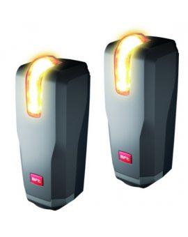 BFT THEA A15 O.PF fotokomórki Para ustawialnych fotokomórek z wbudowaną lampką sygnalizacyjną